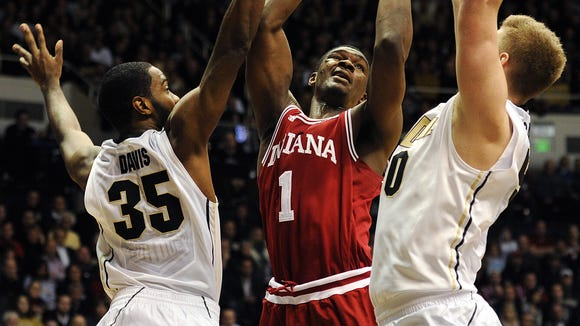 Noah Vonleh's return to the floor -- if not the starting lineup -- couldn't edge the Hoosiers past Big Ten champions Michigan. Now IU awaits final word on its conference tournament seeding.