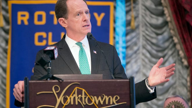 Sen. Pat Toomey speaks during a Rotary Club of York lunch at the Yorktowne Hotel Wednesday.