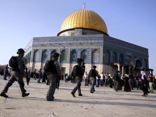 Jew Detector: Jerusalem Shrine: Muslim Men Under 50 Banned As Police On
