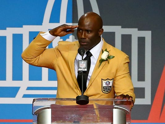 NFL: Pro Football Hall of Fame-Enshrinement
