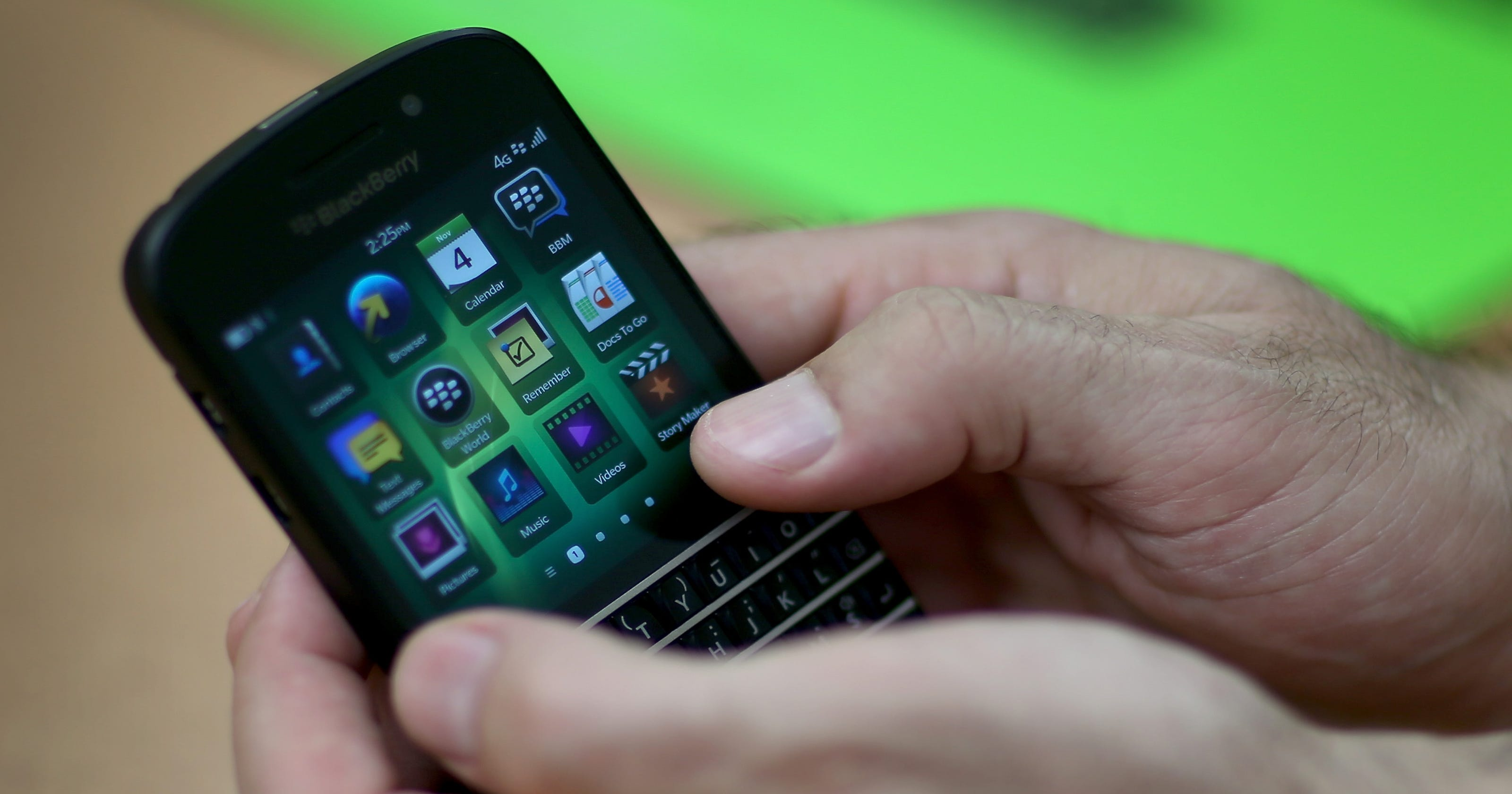 BlackBerry co-founder trims stake after 3Q loss