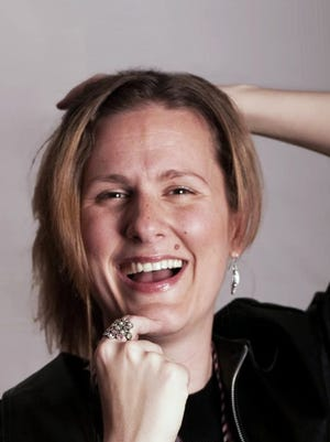 Award winning American filmmaker Jules Dameron – who work includes the Norwegian web series MØKKAKAFFE (Bad Coffee) – will present at the 2017 Deaf Rochester Film Festival.