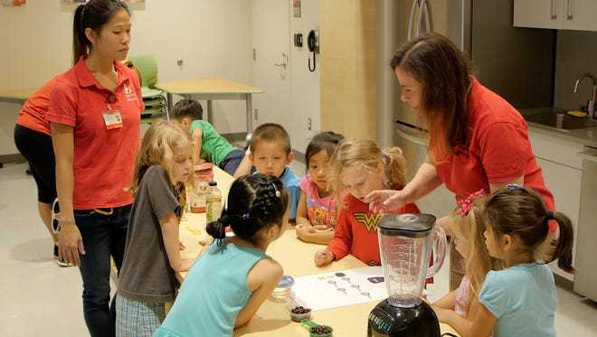 More than 30 toddlers and preschoolers will make applesauce and learn how to bake pumpkin muffins as part of a program aimed at helping children make healthy food choices, which will set the stage for a healthier lifestyle as they grow.