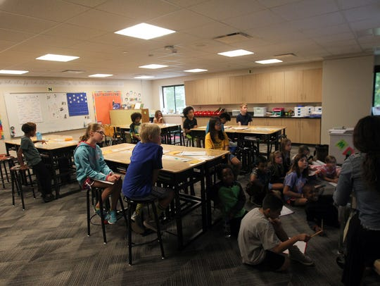 Lucas Elementary students take advantage of new standing
