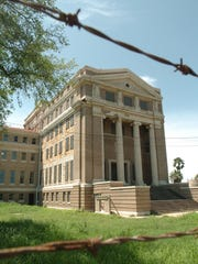The 1914 Nueces County Courthouse underwent a $2.85 million exterior renovation to its south wing in 2006. Photo taken in 2007.