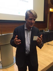 Robert J. Shiller says bitcoin is a speculative bubble.