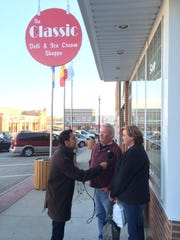 BBC correspondent Aleem Maqbool interviews locals Tom