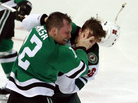 Wild_Stars_Hockey_98133.jpg