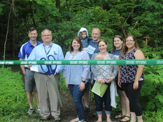 636676853060460016-NEW-StoryTrail-Ribbon-Cutting--Young-Leaders-and-CTEC.jpg