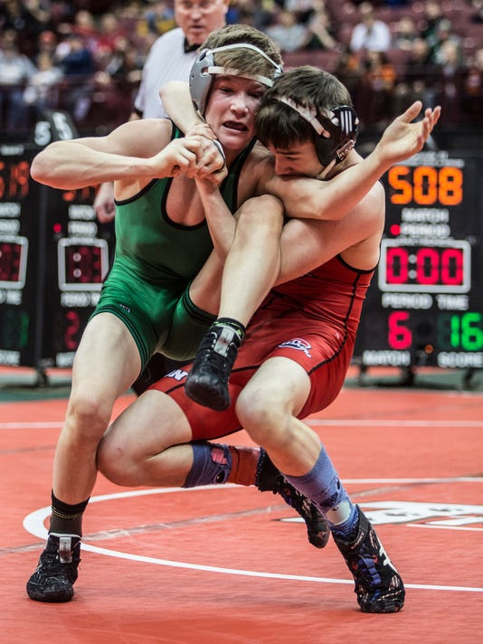 -Coshocton-s-Lucian-Brink-106-pounds..JPG