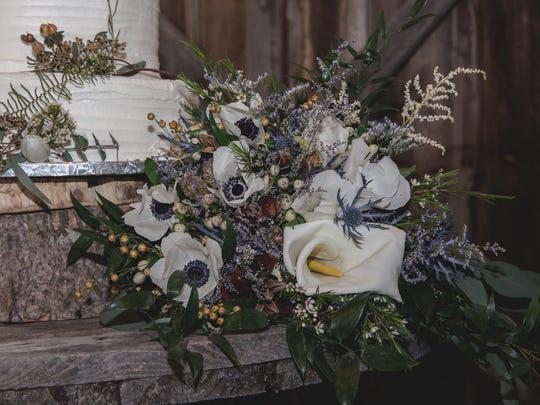 Petals & Moss favors organic arrangements with crisp florals.