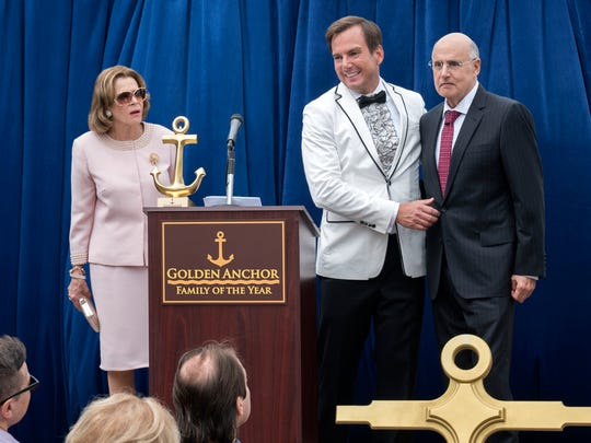 Lucille (Jessica Walter, left) looks on as Gob (Will