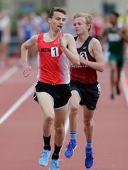 Neenah's Matthew Meinke holds his lead over Middleton