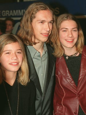 Hanson, from left Zac, Isaac, center, and Taylor, arrive at Radio City Music Hall in New York, for the 40th annual Grammy Awards show Wednesday, Feb. 25, 1998. (AP Photo/Todd Plitt)NYR155