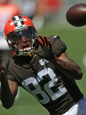 Browns wide receiver Rashard Higgins has his eye on a pass during practice last month.