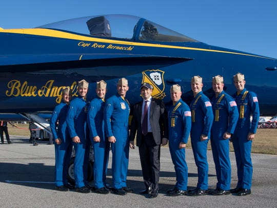 Senator Marco Rubio gets a photo with the pilots during