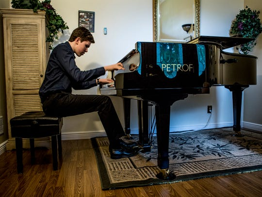 Classical pianist Gavin George, only 15, skills has