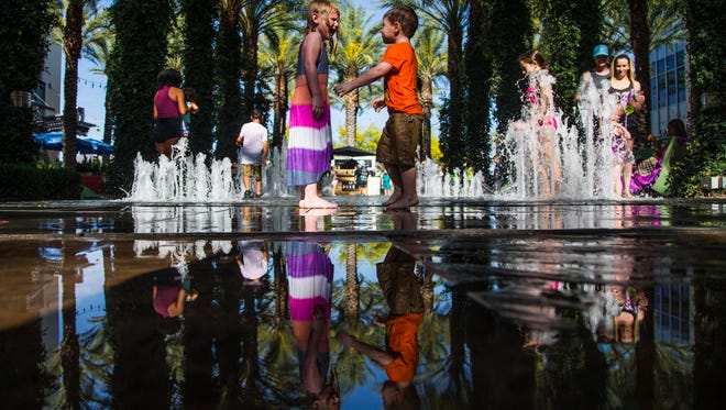 The Scottsdale Quarter offers families music on Saturday nights in October.