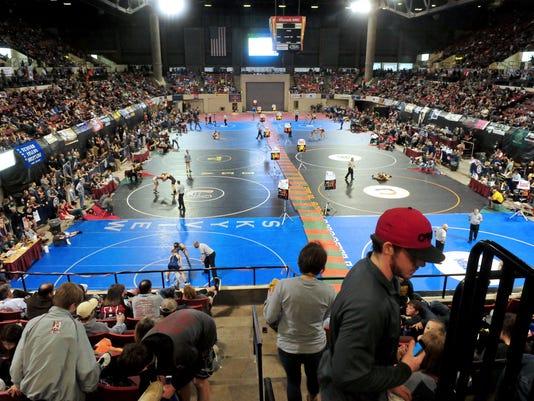 -02102017_state wrestling, quarterfinal-b.jpg_20170210.jpg
