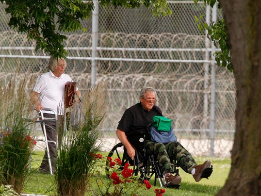 Ex-speaker Dennis Hastert released from federal prison – USA TODAY
