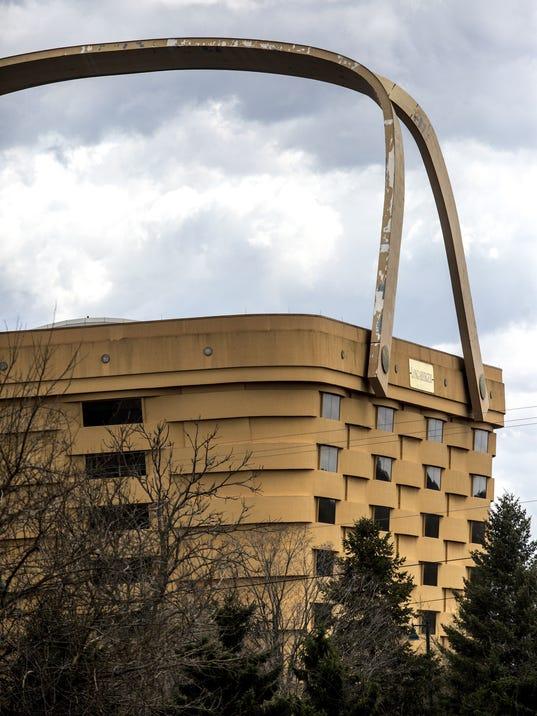longaberger empties famous ohio basket building. Black Bedroom Furniture Sets. Home Design Ideas