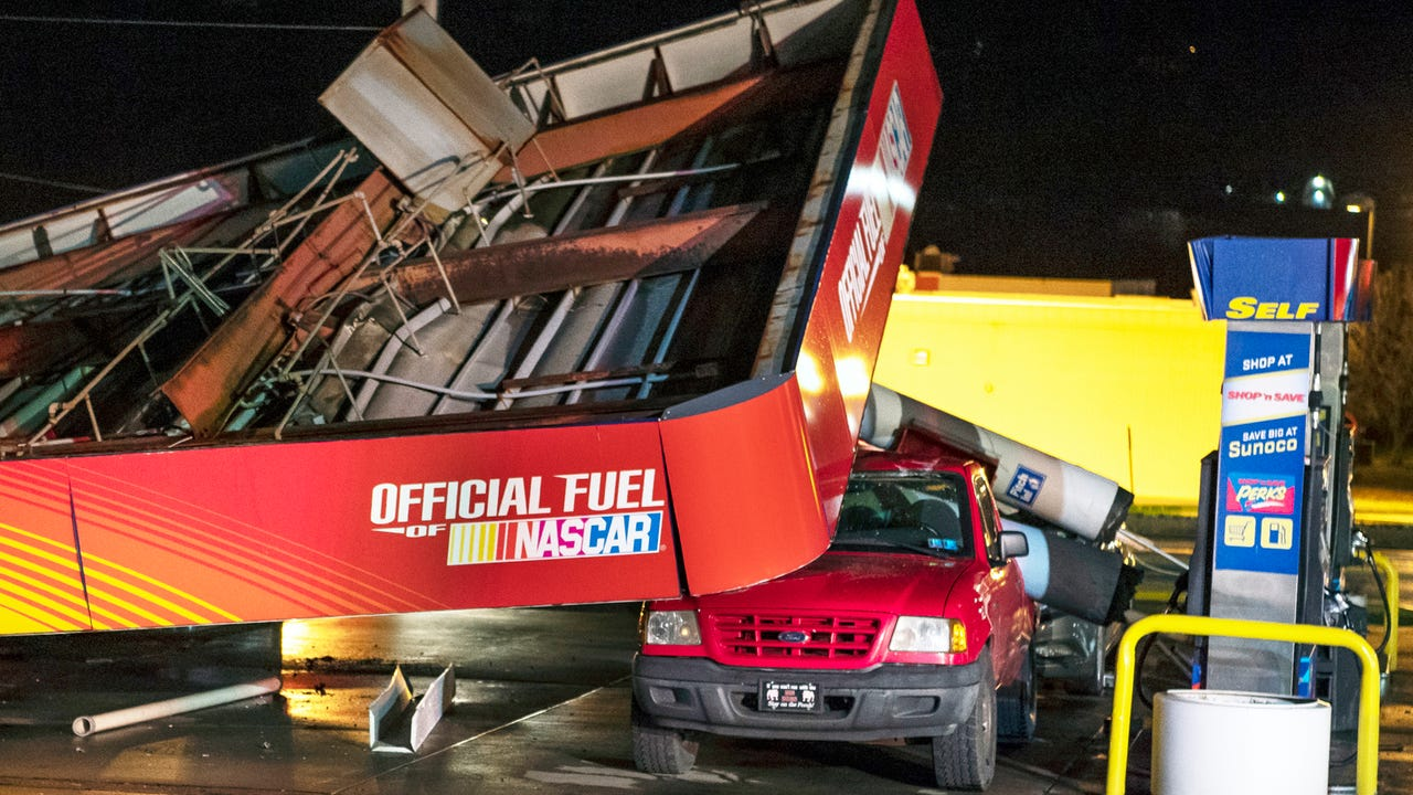 Winds eyed in PA gas station canopy collapse