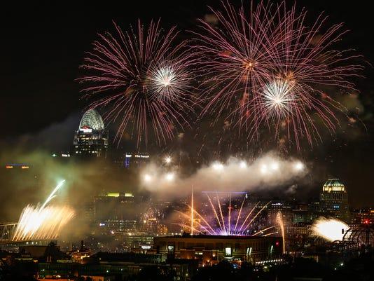636083133323810363-0906-WEBN-Fireworks-11.JPG