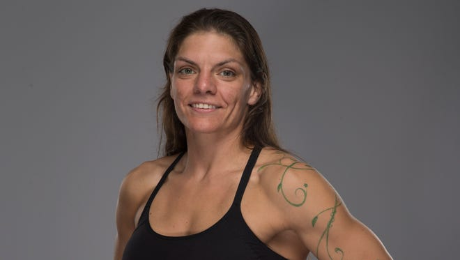 Lauren Murphy has fought addiction and fought wildfires in Alaska. Now she's fighting for the UFC.
