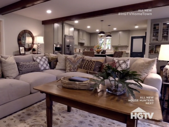 The family room leads into the kitchen on season 2,