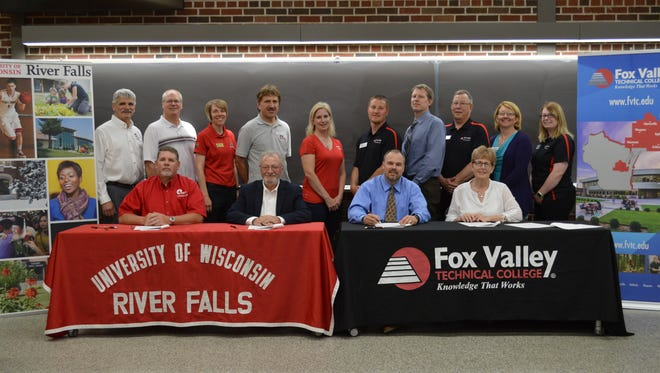 Ag leaders from both UWRF and FVTC celebrated their partnership by way of a new credit transfer agreement.
