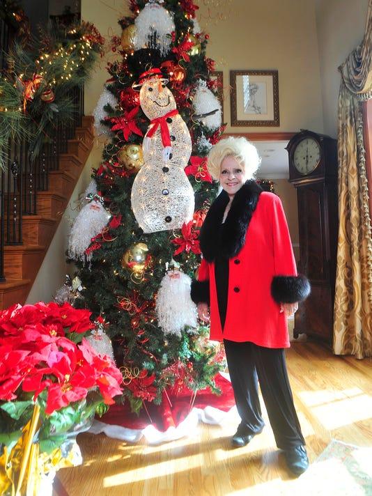 12 days of brenda lee her christmas decorations rock - Rock Christmas