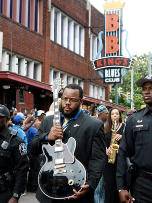 The Downtown Memphis Commission wants a more permanent management role on Beale Street.