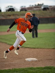 Waverly High School baseball and softball each had solid years last season, now they look to continue success this year.