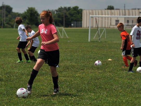 073014_SoccerCamp_02mb.jpg