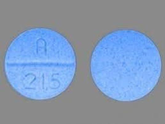 636452301133888547-Counterfeit-Oxy-Pills.jpg