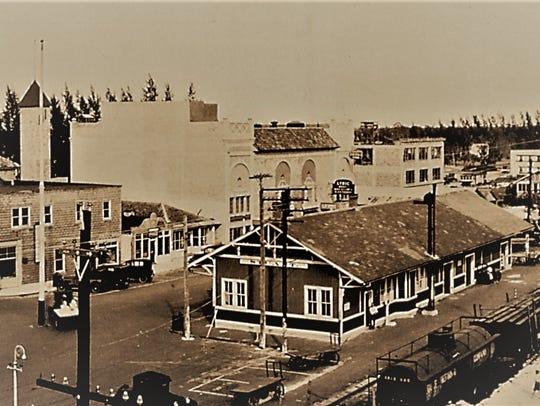 Aerial of Lyric Theatre in August 1926.