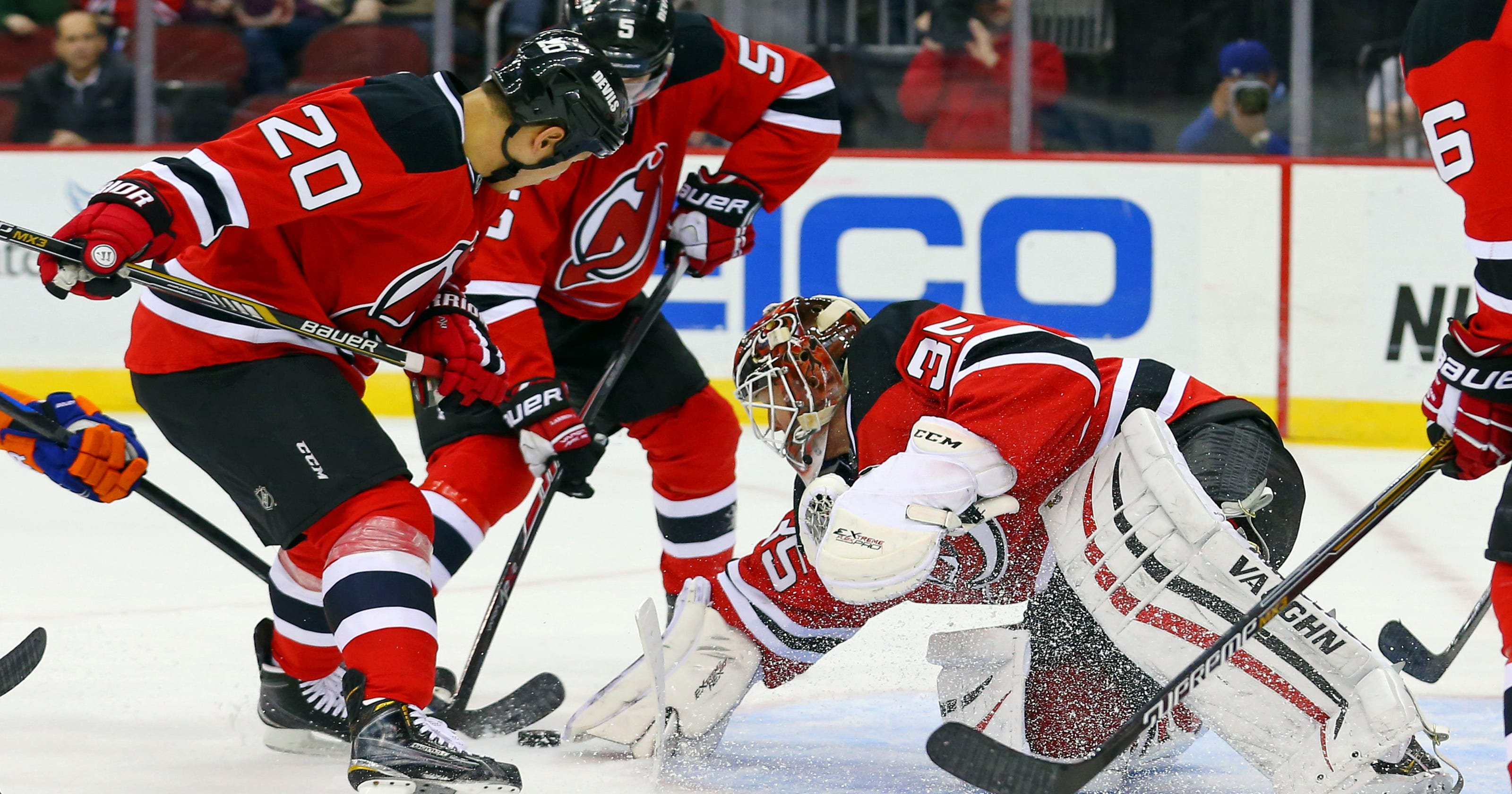 190ef28c0 New Jersey Devils fall to New York Islanders