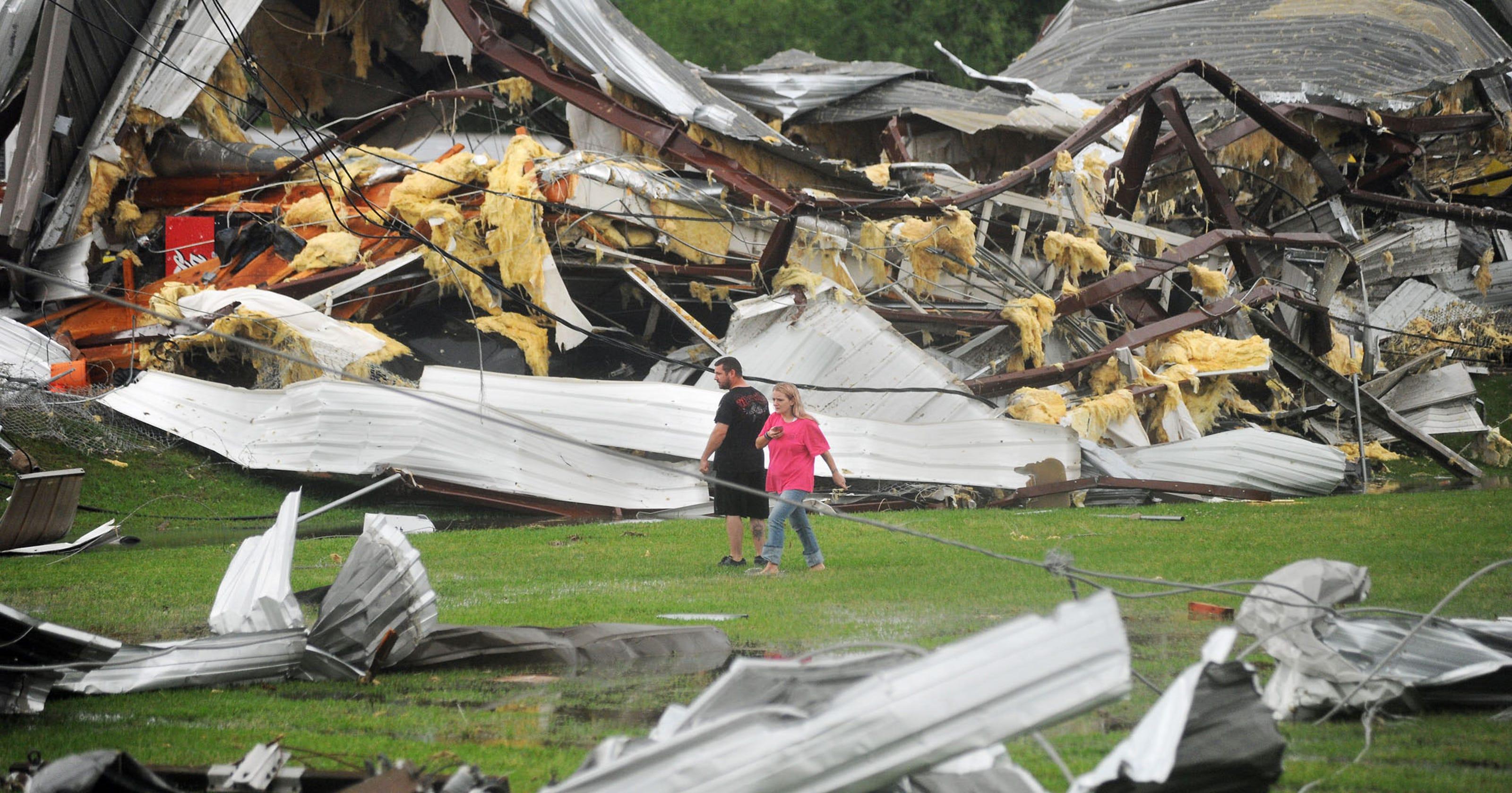 Tornadoes tear through South, add to death toll