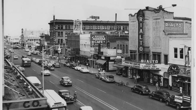 The Rialto Theatre on Washington Street and First Avenue in Phoenix, circa 1949.