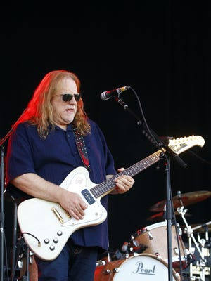 Warren Haynes and the Nashville Symphony are teaming to pay tribute to the music of the late Jerry Garcia and the Grateful Dead.