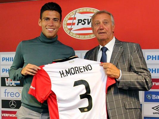 El central mexicano Héctor Moreno fue presentado oficialmente con el PSV Eindhoven, equipo en el que utilizará el dorsal número 3.