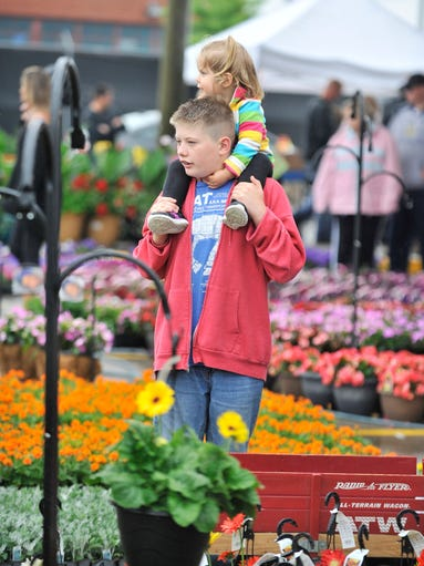 Flower day at eastern market for Mitchell s fish market rochester