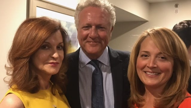 Gary Yordon with nationally syndicated columnist Maureen Dowd, left, and Lisa Smith Molinari, president of National Association of Newspaper Columnists.