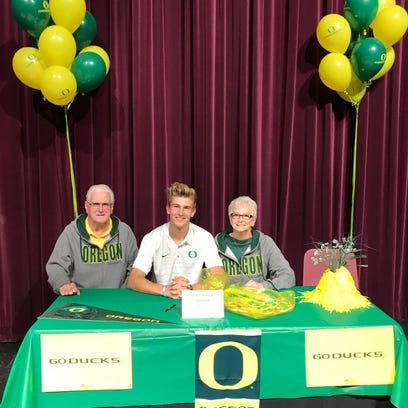 Oregon Ducks football: Is a top-20 recruiting class disappointing?