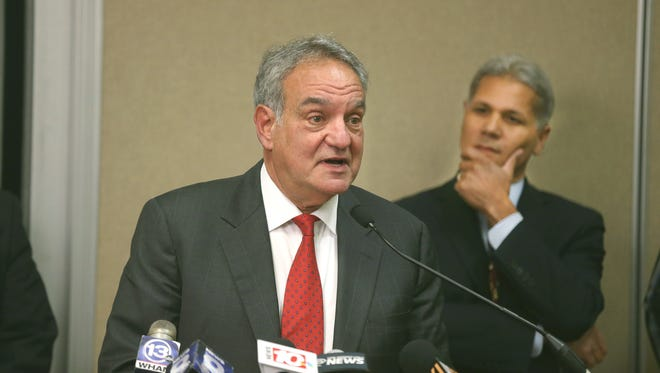 Daniel Lowengard at a news conference last month with outgoing superintendent Bolgen Vargas.