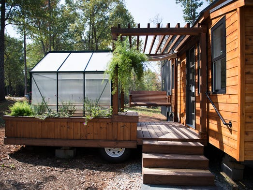 Tiny house wave spreading in the upstate of south carolina for Tiny house with greenhouse