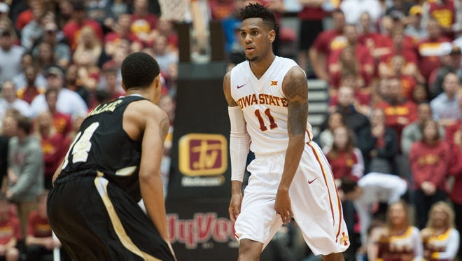 Iowa State guard Monte Morris (11) brings the ball up the court during the first half against the Arkansas-Pine Bluff Golden Lions.