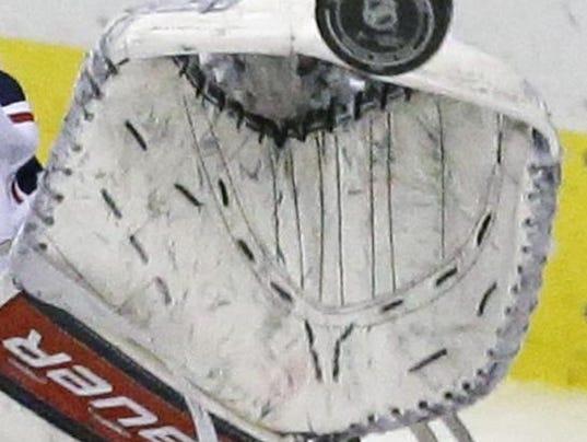 hockey1210.jpg