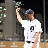 Tigers ace Justin Verlander acknowledges a standing ovation from the crowd as he goes to the dugout in the eighth inning against Cleveland on Sept. 27.