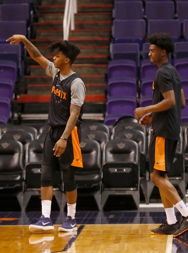 Suns' Elfrid Payton practices with his new teammates at the Talking Stick Resort Arena on February 10, 2018 in Phoenix, Ariz.